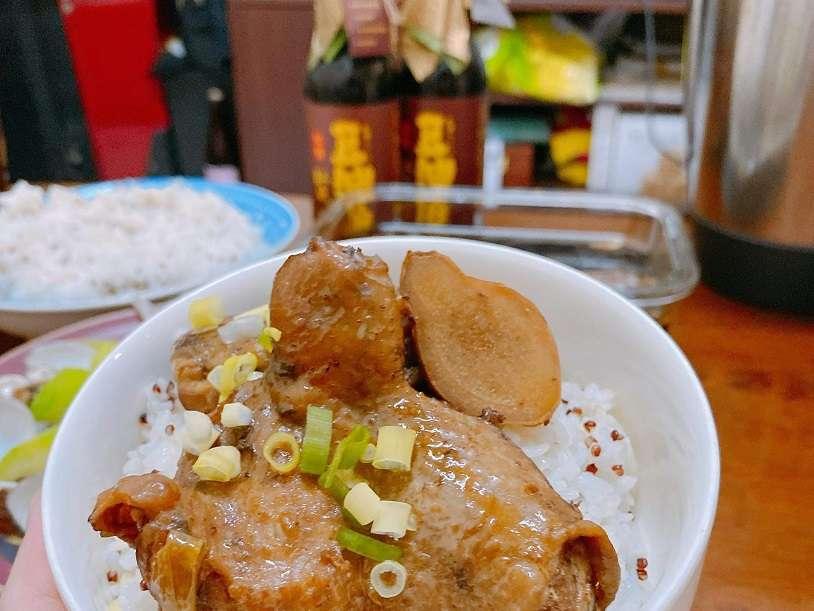 【素人廚房】想念的味道-阿木的滷雞腿