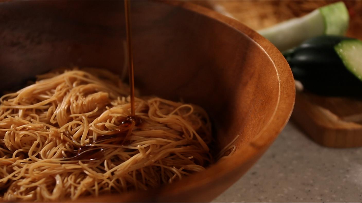 豆油伯媽咪搵醬 蔬食料理-麻油麵線
