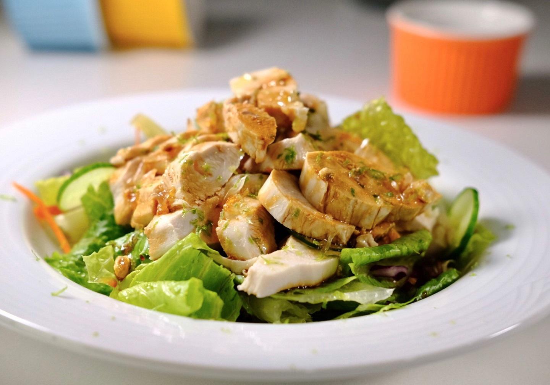 養生溫食好選擇,豆油伯食譜:輕量級雞肉溫沙拉