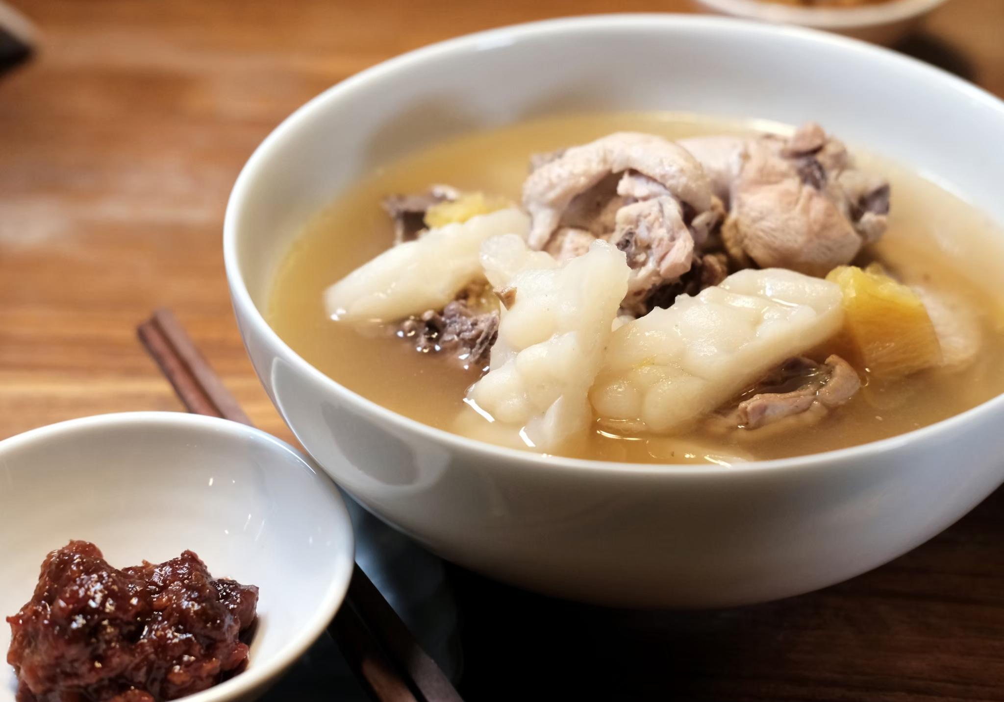 夏日清爽料理-鳳梨豆醬燉雞肉湯